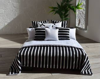Modern Miniatures 1:12 Dollshouse Bed Linen Hamptons Black & White 9 Piece Bedding Set Comforter Pillows Doll House Mini Decor Ltd. Ed.
