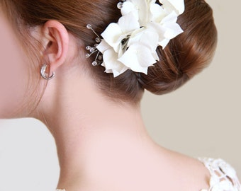 Wedding comb,Swarovski Beads comb hair comb with hydrangea, comb in her hair, comb for brides, flower comb,  wedding decorations