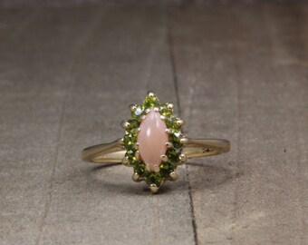Estate, 14K Yellow Gold Ring With Salmon and Peridot