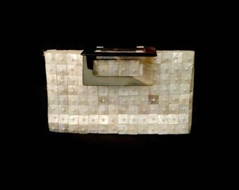 Vintage Mother of Pearl Handbag        VG2605