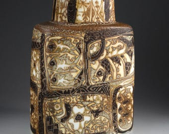 Royal Copenhagen - BACA - Nils Thorsson - Vase with brown decoration with fish