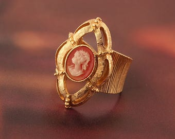 Vintage Sarah Coventry 1970s  Cameo Portrait Goldtone Adjustable Ring