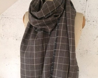 LIMITED EDITION - 100% Italian Linen Grey Checked Scarf