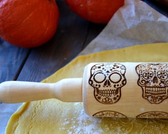 Sugar Skull Halloween Rolling pin Dia de los Muertos Cookie Stamp Baking gift Cook Kitchen decor Skull pattern Gift for Her Mom | 55 |