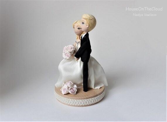 Wedding Custom Cake Topper Figurine Bride Groom Clay Doll Wedding Keepsake rustic Caketop Wedding Decoration Polymer Clay Cake Topper