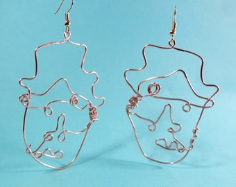 Handmade face earrings // Copper wire, rose gold finish // Illustration // Doodle