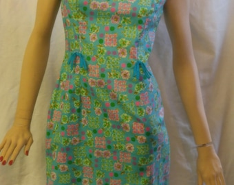 Super cute vintage 1960's floral dress with 2 sweet bows - mod - 60s - chintz - floral - spring dress