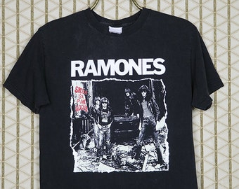 The Ramones t shirt, vintage rare tee, hardcore punk, punk rock t-shirt, Sheena is a Punk Rocker