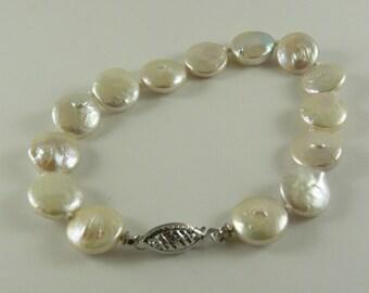 Freshwater Coin Shape Pearl 10.6 x 9.9mm - 11.2 x 11mm Bracelet 14k White Gold