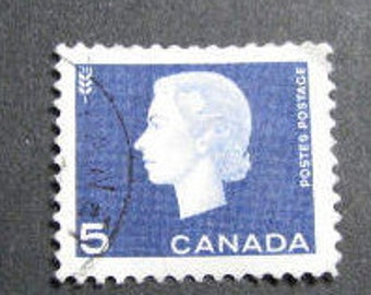 900 Canadian 4 cent postage stamps from 1963