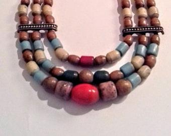 Collar berbere de cristales y piedras