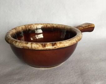 Hull Drip Handled Soup Bowl