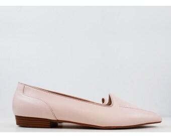 Vintage Pastel Soft Pink Minimalist Loafers size 8