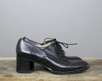 VINTAGE 90s FREELANCE BLACK leather oxfords with chunky heels