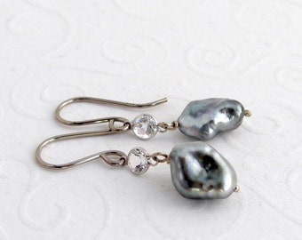 Tahiti Keishi pearl earrings, 14 K White Gold 585 white gold white Topaz, gift for you