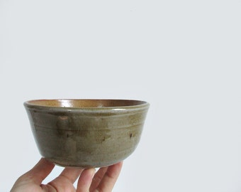 stoneware pottery bowl / vintage handmade glazed ceramic bowl