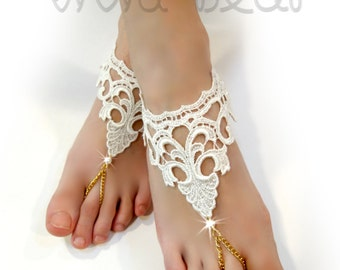 Ivory Lace Foot Jewelry. Barefoot Sandals. Lace flowers. Pearl Beads. Silver Chain. Slave Anklets. Beach Wedding. Bridal Accessory. Set of 2