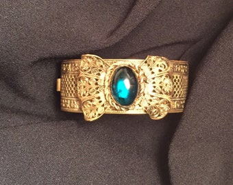Vintage Bangle With Green Stone