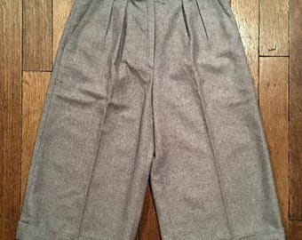 Vintage pleated long shorts