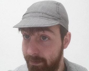 Checkered gray cycling cap