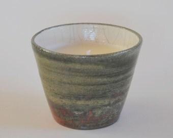 Ceramic Raku recipient with aromatic candle