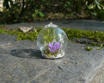 "Pendant ""CYRAENEUS"" with real Flowers, Terrarium Pendant, Real Moss, Flower Necklace, Terrarium Jewelry, Purple Flowers"