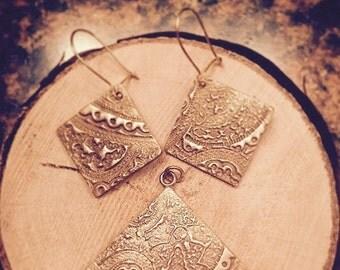 Bronze earrings and pendant set
