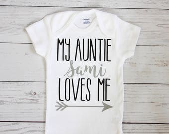 My auntie loves me onesie | Aunt onesie, Aunt gift, Baby boy clothes, Baby girl clothes, Baby shower gift, My aunt loves me bodysuit, onesie