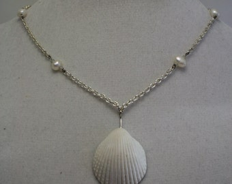 Shell and pearl necklace