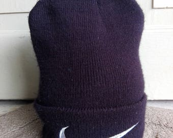 Nike Beanie Hat Embroidered Logo in Black/used