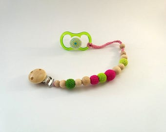 Wooden pacifier holder, Pink and pacifier clip, Pacifier holder, Teething toy with crochet wooden beads, Dummychain holder, Salad green