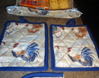 Hot pad and tray set