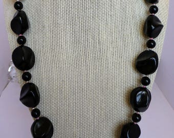 Black and Pink Plastic Beaded Necklace
