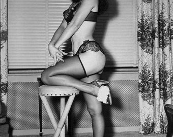 BETTIE PAGE PHOTO #5