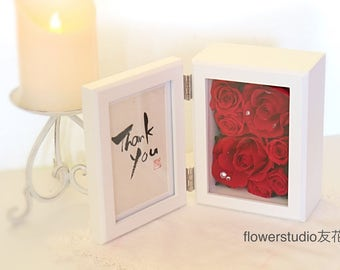 Handwritten message photo frame