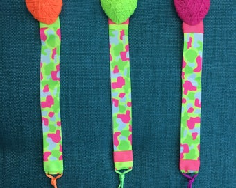 Chupetero in Neon colors