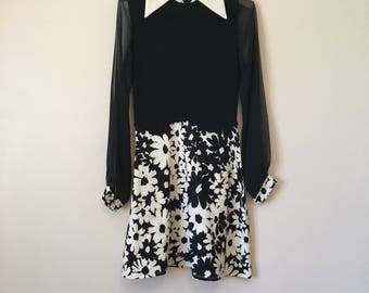 Vintage black and white minidress with daisy print and sheer sleeves