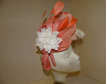 Hat / touched silk, rose English with feathers, for weddings, sinamay Derby, Ascot, tea party, Church, celebrations.