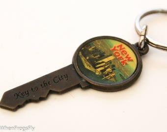 Vintage Brass Souvenir Keychain New York Skyline 'Key to the City'