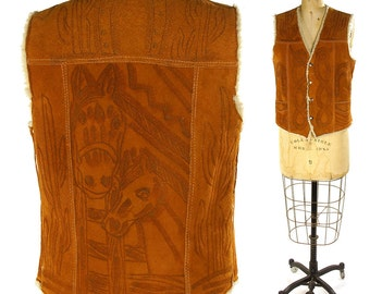 70s Tooled Leather Vest / Vintage 1970s Brown Suede Hippie Boho Western Vest with Sherpa Lining / Shearling Winter Vest / Horse Cactus / Med