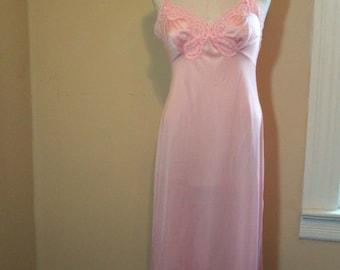 Pretty Pink Lace Slip Vintage Pink slip 70s silky nylon Slip Vassarette size 34 small medium vintage lingerie