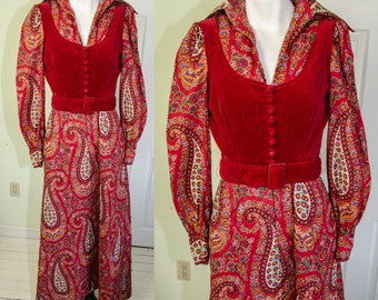 Vintage 1970's Bill Tice Corset Style Hostess Dress