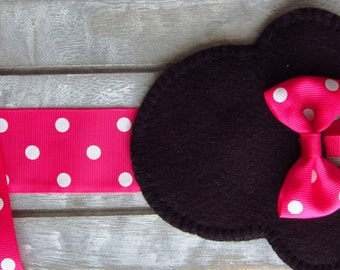 Minnie Mouse Hair bow holder, Minnie Mouse room decor,Minnie bow holder, Minnie mouse, pink and black bow holder, pink minnie mouse