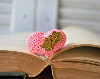 Handmade Bookmark, Crocheted Bookmark, Pink Heart Bookmark, Book Lover Gift, Heart Shaped, Valentines Gift, 3d Fluffy Heart, Puffy Heart