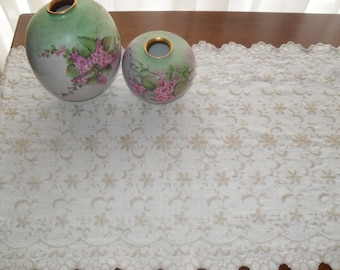 Vintage 60s Embroidered Long Table Runner and matching Side Table Scarf with scalloped edge. Beige linen.  Shabby chic, country cottage