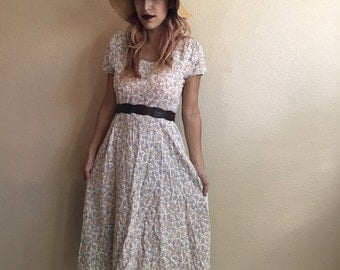 Vintage 80s White Floral Garden Dress / Betsy Lauren / Flowy Tea Length Dress / Womens Size Medium