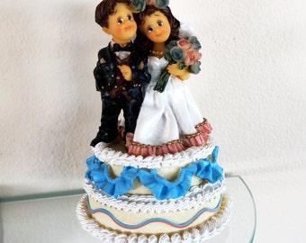 Vintage Wedding Decoration Music Box Bride and Groom Wedding Cake Van Mark I Do Close To You