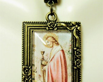 Christ with the host picture frame pendant and chain - AP05-427