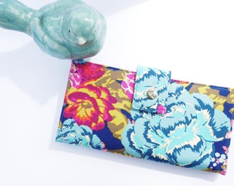Womens wallet, gift for wife, mothers day gift, vegan wallet clutch, travel wallet, checkbook wallet, bifold wallet, wallet for women