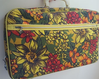 Vintage Mod Floral Carry-On Bag, Yellow 60s Overnight Bag